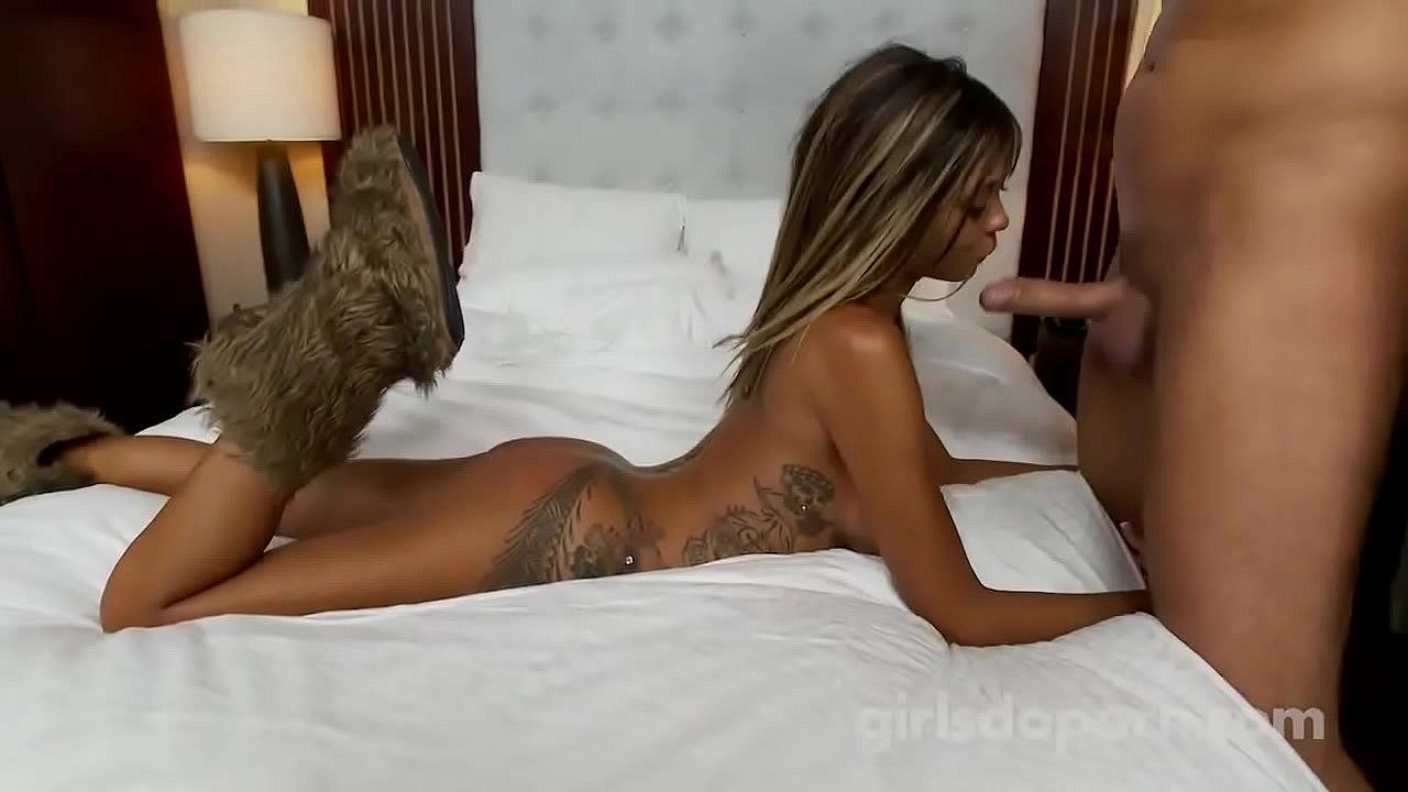 Girls do porn ebony
