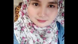 Malaysian Muslim Girl 'Maya' Gets Fucked & Sends Nudes